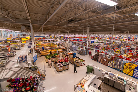 A big grocery store